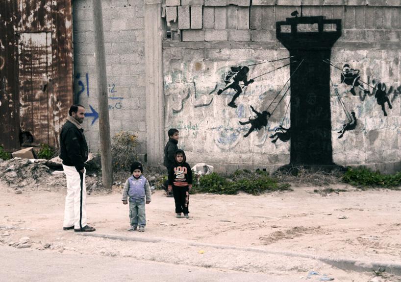 banksy-gaza-street-art-designboom-04